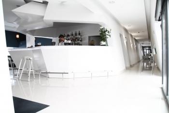 Marine_Hotel-interior-Lobby_Bar-hires_1_small